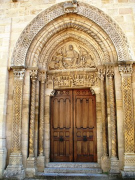 semur en brionnais wonderful architecture clunisian